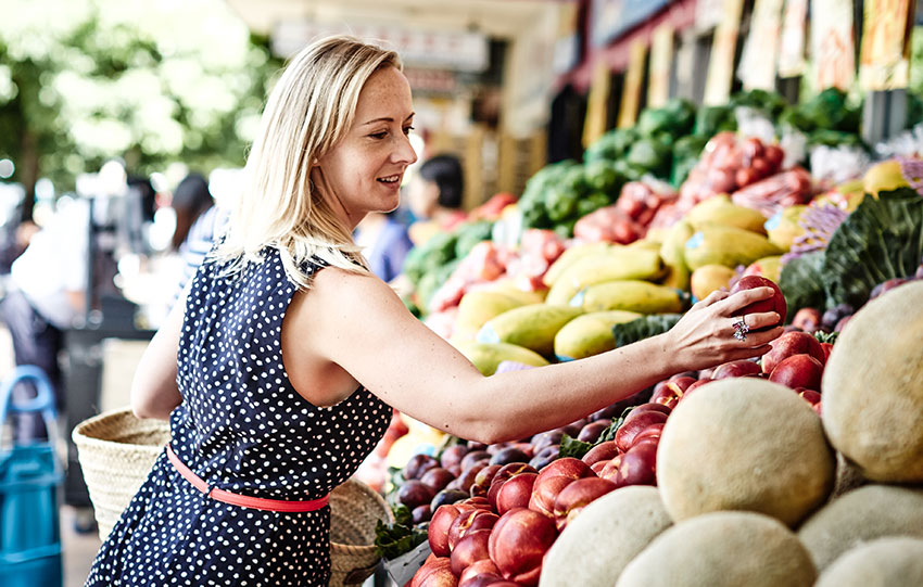 martyna-angell-shopping-healthy-fruit-vegetables-market
