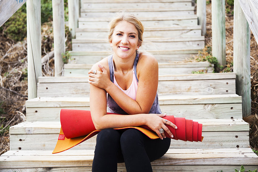 claire-baker-yoga-mat-activewear-beach-steps